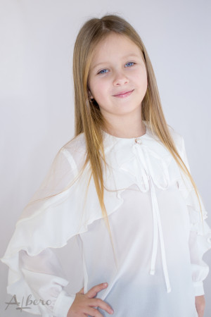 Блуза шифоновая с воланом по полочке и рукаву Артикул:5072