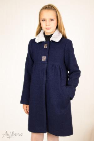Пальто шерстяное с кокетками, меховым воротником и декоративными стразами Артикул: 7008